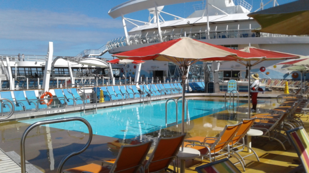 Oasis of the Seas Pool Area